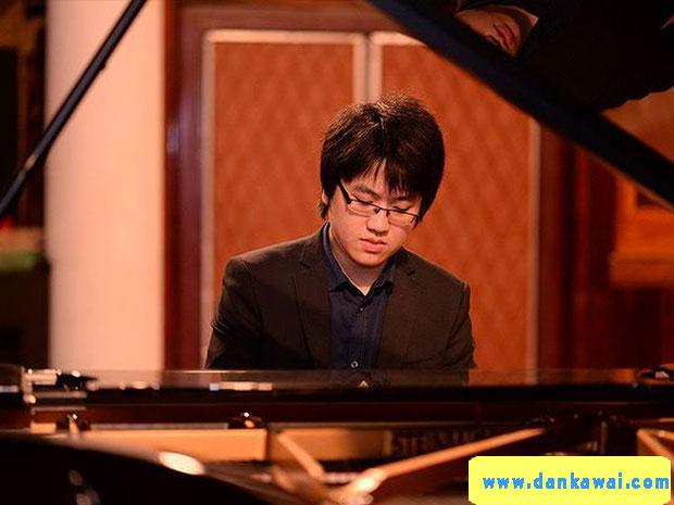 Nghệ sĩ piano Lưu Hồng Quang
