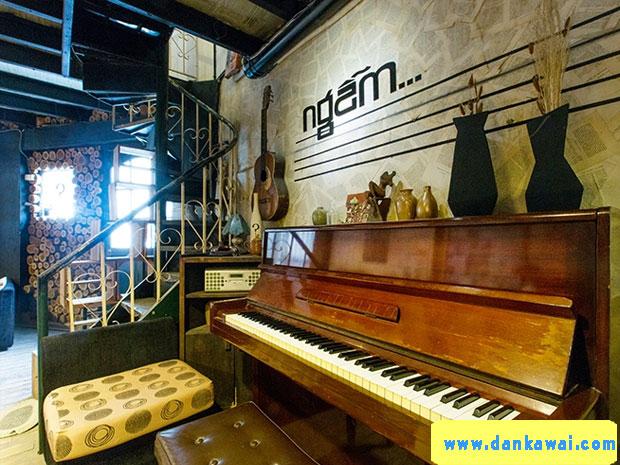 Quán café có đàn piano cho khách chơi ở TPHCM